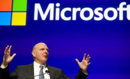 Microsoft's former CEO Steve Ballmer believes that the missing ingredient to make the Windows phone a success is Android application compatibility