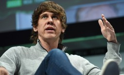 Daniel Crowley has stepped down as CEO of Foursquare, to be replaced by the tech start-up's COO