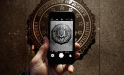 Tech giants, law professors and NGOs support Apple in its fight against the FBI over the right to privacy