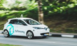 NuTonomy has rolled out its first batch of self-driving taxis in Singapore, beating global tech giants Uber, Google and Baidu