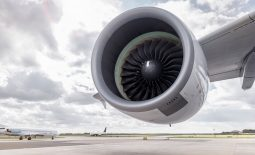 In acquiring two of Europe's most promising 3D printing companies, US tech giant General Electric hopes to dominate the market for jet engine parts over the next few years