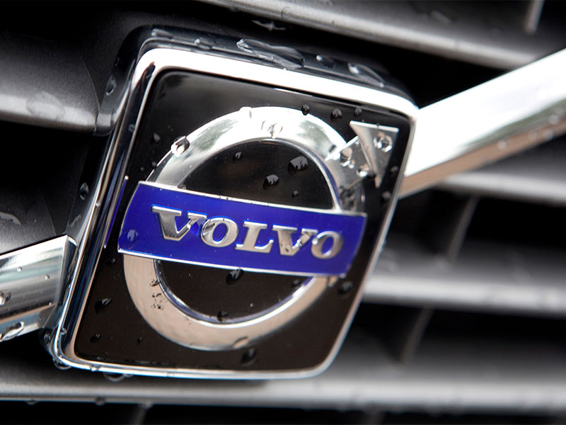 Premium car manufacturer Volvo is to phase out petrol/diesel-only cars, ensuring that all of its vehicles have electric engines from 2019 onwards