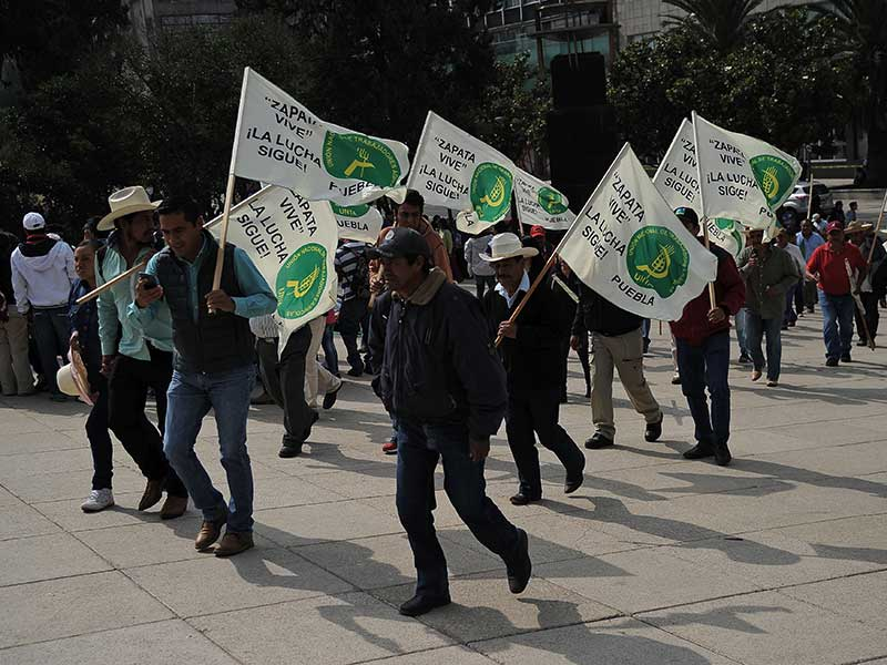 Rural farmers in Mexico take to the streets to protest the government's attempt to save free trade with the US