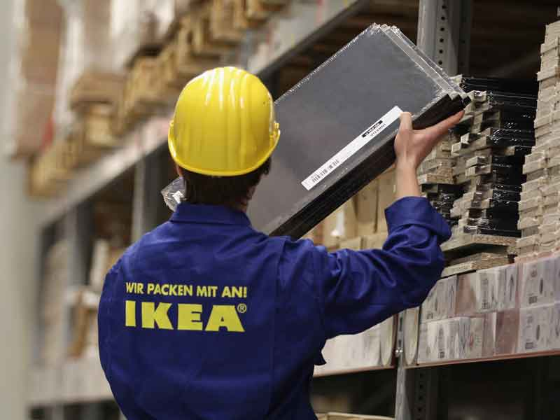 Swedish furniture company IKEA has bought US start-up TaskRabbit, broadening the services it provides to its customers