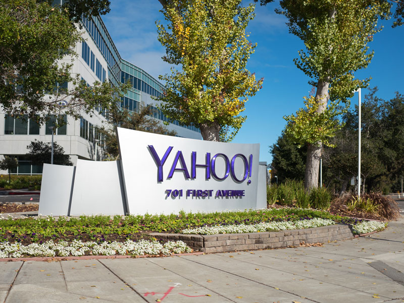 Internet giant Yahoo had drawn up a $50m settlement package for victims of a mass cyber hack, but it was thrown out due to lack of clarity