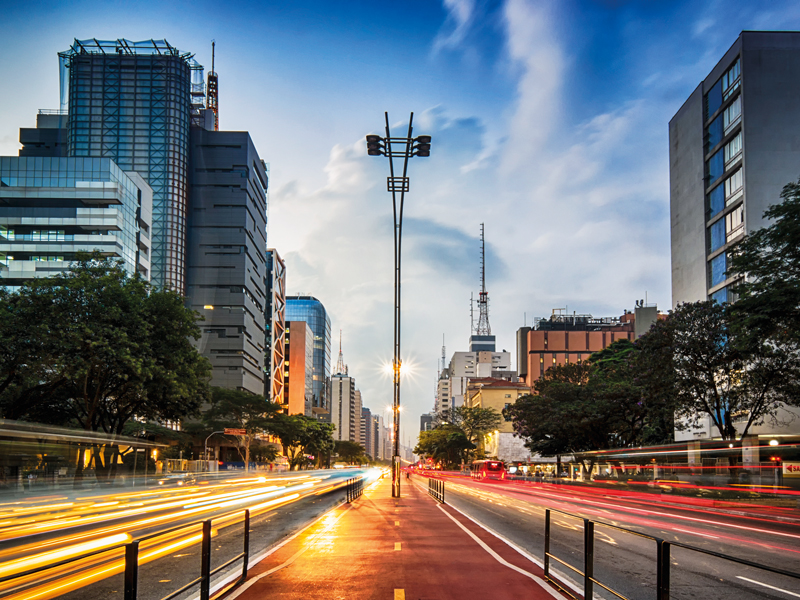 As Brazil's business sector develops, the country is learning to support entrepreneurship. Business schools are responding to this growing market by offering courses tailored to new business owners